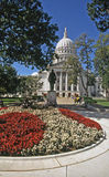 Die Landeshauptstadt mit Blumen Stockfotos