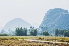 Die Landschafts- und Gebirgslandschaft im Herbst Lizenzfreies Stockbild
