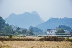 Die Landschafts- und Gebirgslandschaft im Herbst Lizenzfreie Stockfotografie