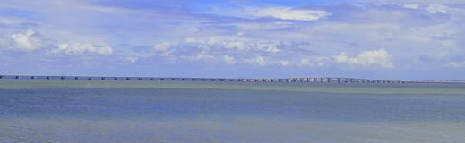 Die lange Brücke Lizenzfreie Stockfotografie