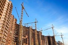 Die lebenden Häuser, die massiv sind, ist im Bau stockbild