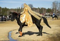 Die Leistung eines Reiters an einem Feiertag Lizenzfreie Stockfotografie