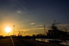 Die letzten Strahlen des Sonnenunterganghafens Stockbild