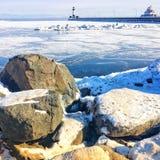 Die Leuchtturminsel im Winter auf dem Ladoga See Stockbild