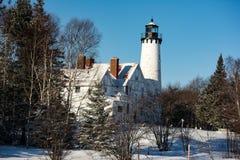 Die Leuchtturminsel im Winter auf dem Ladoga See Lizenzfreies Stockbild