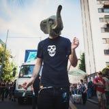Die Leute, die am Maitag teilnehmen, führen in Mailand, Italien vor Lizenzfreie Stockfotografie