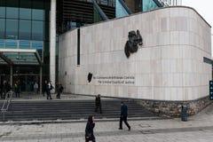 Die Leute, welche die kriminellen Gerichtshöfe, die Direktion lassen, umwerben Gebäude für die Strafkammern in der Republik Irlan stockbilder