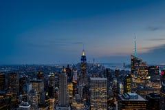 Die Lichter von New- York Cityanfängen zu glänzen Lizenzfreies Stockbild