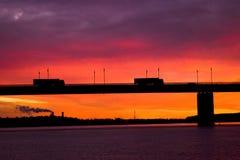 Die LKWas auf der Brücke. Eine Abnahme Lizenzfreie Stockbilder