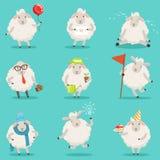 Die lustigen netten wenig Schafzeichentrickfilm-figuren, die für Aufkleber eingestellt werden, entwerfen Bunte ausführliche Vekto Lizenzfreie Stockbilder