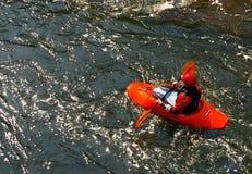 Die Männer auf dem Fluss Stockfoto