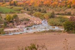Die Mühlwasserfälle, Saturnia, Grosseto, Toskana, Italien stockfotos