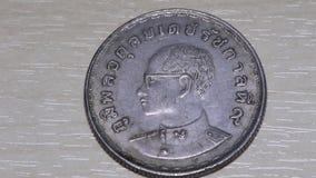 Die Münze, die thailändisch ist, ist alt stock video