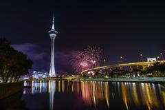 Die Macao-Turm- und -Feuerwerksshow lizenzfreies stockbild