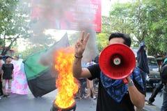 Die Makassar-Studentendemonstration kritisierte die vier Jahre von lizenzfreies stockfoto