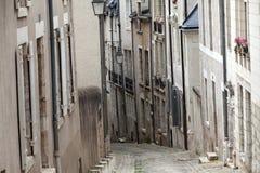Die malerische Straße in alter Stadt Blois Stockbild
