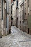 Die malerische Straße in alter Stadt Blois. Lizenzfreie Stockbilder