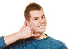 Die Mannherstellung ruft mich Gestentelefon-Handzeichen an Lizenzfreies Stockbild