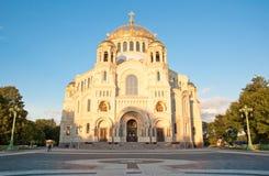 Die Marinekathedrale von Sankt Nikolaus in Kronstadt, Russland. lizenzfreie stockbilder
