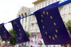 Die Markierungsfahne der Europäischen Gemeinschaft Papierflaggen des europäischen Unio Stockbild