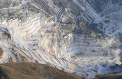 Die Marmorsteinbrüche in Carrara stockfoto