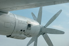 Die Maschine eines großen alten Bombers Lizenzfreies Stockbild
