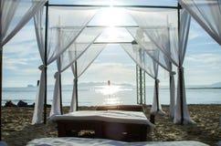 Die Matratze durch das Meer Stockfotografie