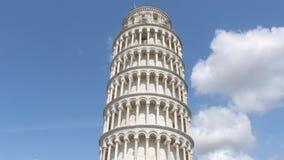 Die meiste berühmte Touristenattraktion in Pisa - der lehnende Turm - Toskana stock footage