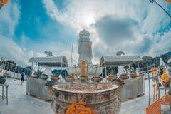 Die 20 Meter hohe weiße Jadestatue von Kuan Yin, Göttin des Mitleids u. der Gnade Lizenzfreies Stockfoto