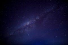 Die Milchstraße Unsere Galaxie Lange Belichtungsphotographie von einem astr Stockbilder