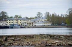 Die Militärschiffe in Kronstadt Russland Stockfotografie