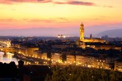 Die mittelalterliche Stadt von Florenz bei Sonnenuntergang Lizenzfreie Stockbilder