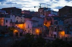 Die mittelalterlichen Straßen der schönen Farbealten Stadt am Abend Lizenzfreie Stockbilder
