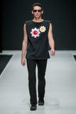 Die Modeschau Pierre Cardin in der Moskau-Mode-Woche mit Liebe für Russland am 22. März 2016 Stockfotos