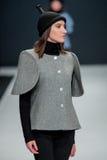Die Modeschau Pierre Cardin in der Moskau-Mode-Woche mit Liebe für Russland am 22. März 2016 Lizenzfreies Stockbild