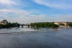 Die Moldau-Flussansicht von Charles Bridge, Prag, Tschechische Republik Lizenzfreie Stockfotos