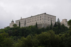 Die montecassino Abteiansicht von der Zufahrtsstraße Stockbild