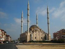 Die Moschee in der Stadt von Manavgat, die Türkei, Ansichten der Stadt und der Straße zur Moschee, interessante Architektur Stockfotos