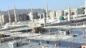 Die Moschee des Prophets in der Medina-Zeitspanne am Nachmittag mit beweglicher Kamera stock video