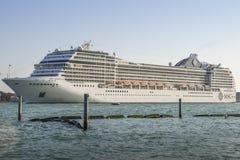 Die MSC Musica wird durch MSC-Kreuzfahrten bearbeitet Das Schiff hat 1.268 Fahrgastkabinen, die 2.550 unterbringen können Lizenzfreie Stockbilder