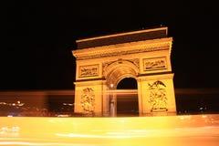 Die Nacht Arc de Triomphe lizenzfreie stockfotos