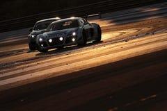 Die Nacht kommt auf das Rennen Stockfotografie