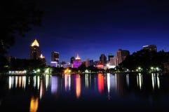 Die Nacht am Park Lizenzfreie Stockbilder