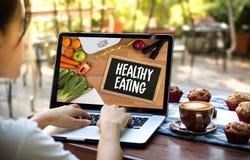 Die nahrhafte GESUNDE ERNÄHRUNG isst gesundes natürliches neues Grün n des Lebensmittels lizenzfreie stockfotos