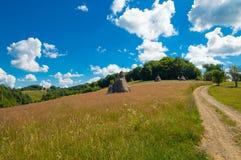 Die Natur zum Dorf Stockfoto