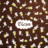 Die netten weißen Kätzchen, die mit Toilettenpapier spielen, rollen braune Musterschablone Stockbild