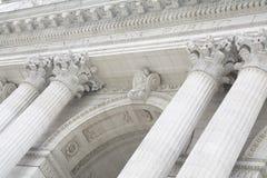 Die New- Yorköffentliche bibliothek Front Entrance Exterior mit vier Spalten Lizenzfreie Stockfotos