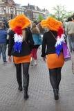 Die Niederlande, Leiden, pril 26, 2014, Leute kleiden für König an Lizenzfreie Stockbilder