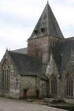 Die Notre-Freifrau-De-La-Tronchayekirche in Rochefort-en-Terre, Frankreich lizenzfreie stockfotos