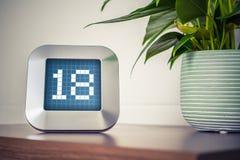 Die Nr. 18 auf einem Digital-Kalender, -thermostat oder -timer Lizenzfreies Stockbild